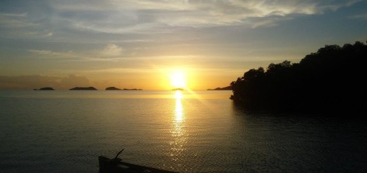 sunrise-on-17-island-riung