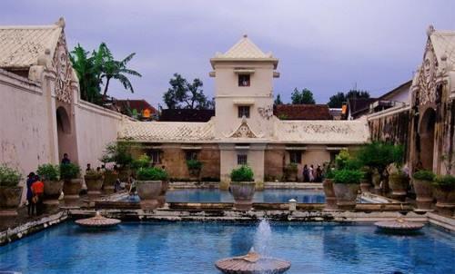 21 Tempat Wisata Malam Romantis Anti Mainstream Di Jogja
