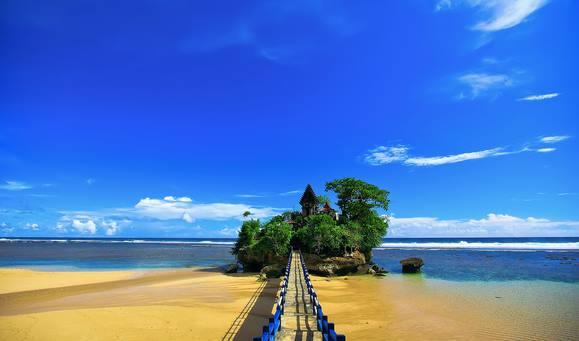 Pantai Balekambang Malang Jawatimur