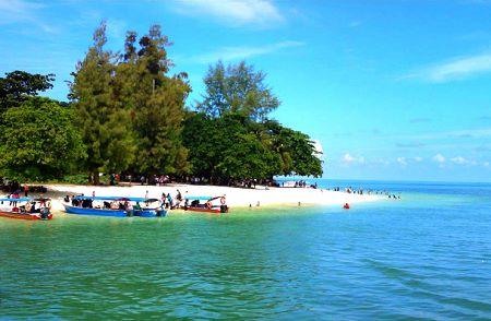 objek wisata pulau beras basah di kalimantan timur